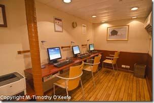 Lindblad Endeavour computer room-1